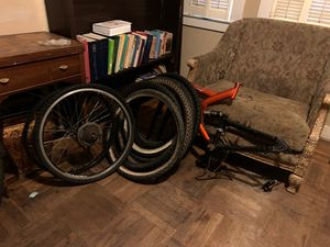 8 tires a set of rims a frame and one complete bike $50 for Sale in Stockton, CA
