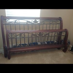 California King Sleigh Bed for Sale in West Sacramento, CA
