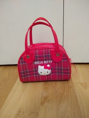 Hello kitty purse with small play jewelry included for Sale in Maple Valley, WA