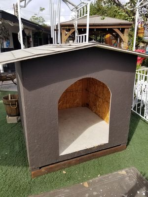 Dog house is really big you will definitely need a truck and help to loud it up for Sale in Moreno Valley, CA