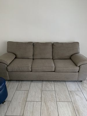 Couch - Nice - Like New - Comfortable for Sale in Long Beach, CA