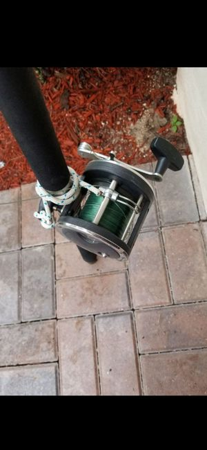 GREAT CONDITION SALTWATER REEL 330 GTI & WEST MARINE STICK for Sale in Delray Beach, FL