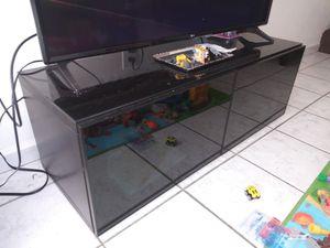 Stand tv mesa de tv for Sale in Miami, FL