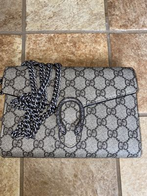 Authentic Gucci Chain Crossbody Wallet Bag for Sale in Temecula, CA
