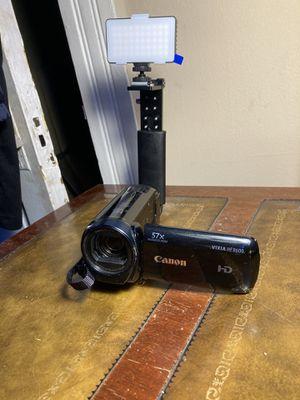Canon vixia hf R600 for Sale in Toledo, OH