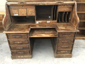 Oak Crest roll top desk for Sale in Las Vegas, NV