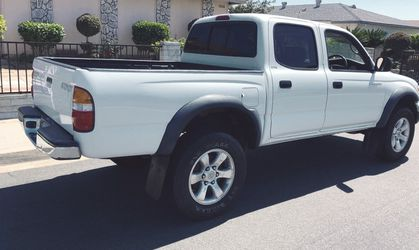 CLEAN 😇 TACOMA BY TOYOTA YEAR : 2003 for Sale in Wichita,  KS