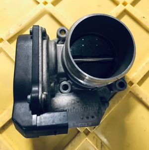 PARTS OUT AUDI A4 2012-2014 Throttle body PARTES for Sale in Opa-locka, FL