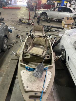 Fishing Kayak Stealth 2000 for Sale in Dallas, TX