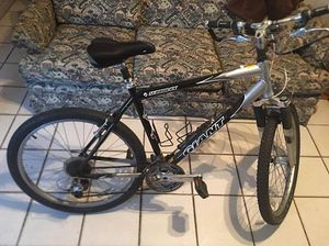 GIANT SEDONA DX Mountain Bike for Sale in Orlando, FL