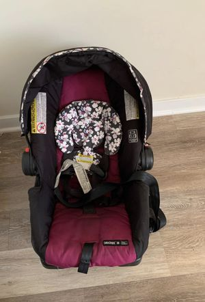 Graco car seat and base for Sale in Wilkes-Barre Township, PA