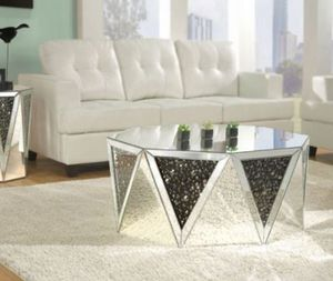 "41"" mirrored coffee table for Sale in North Las Vegas, NV"