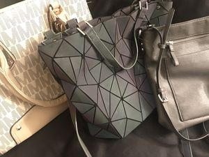 Lot of 3 brand new purses all for $20 (including 7 sunglass cases, wallet's & change purses) All 10 for $20 for Sale in Glendale, AZ