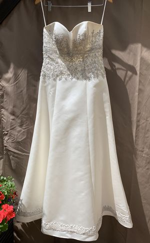 Gorgeous wedding gown size 12 for Sale in Snohomish, WA