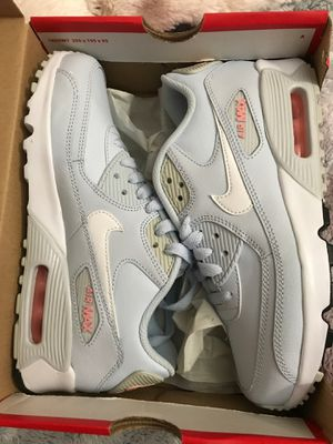 Size 4 Nike Air Max 90 LTR (GS) for Sale in Buffalo, NY