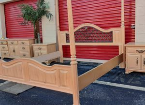 Thomasville King/Queen Bedroom Set for Sale in Fort Lauderdale, FL