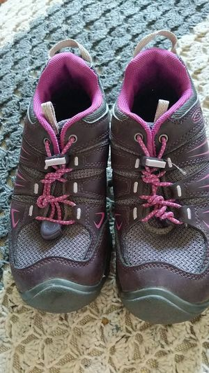 girl's Keen low profile hiking shoes, size 2 for Sale in Bonney Lake, WA