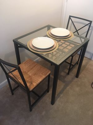Dining room table and chairs for Sale in Alexandria, VA