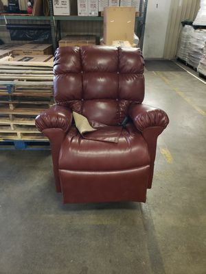 Prefect Sleep Chair for Sale in Bloomington, IL