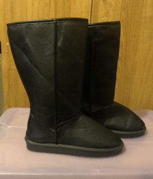 Ladies winter fur lined boots size 9 for Sale in Brooklyn, NY