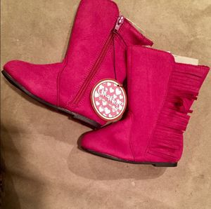 NWT Girl Size 5 - 6 Hot Pink Fringe Boots for Sale in Bountiful, UT