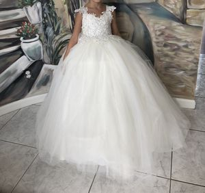 Flower girl dress size 6-8 for Sale in Shelby Charter Township, MI