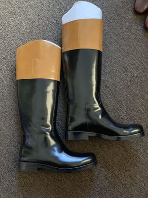 Michael kors leather boots for Sale in Bell Gardens, CA