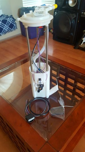 ~BRAND NEW CHEVY SUBURBAN FUEL PUMP~ for Sale in Moreno Valley, CA