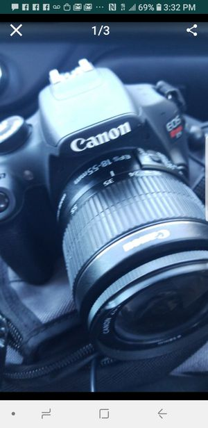 CANON T5 BUNDLE W 2 LENSES AND 2 BATTERIES... GREAT CONDITION for Sale in Tampa, FL