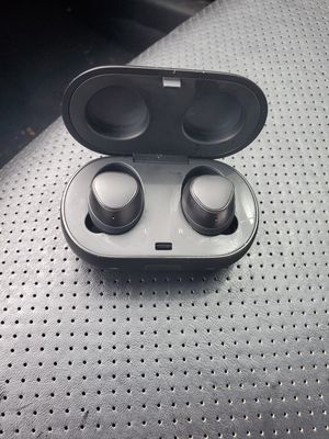 Samsung galaxy wireless earbuds for Sale in Saint Charles, MO