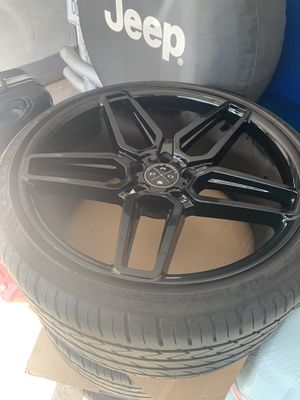 BMW 5x120 gloss black rims 20x10 fr 20x12 rr for Sale in New Haven, CT