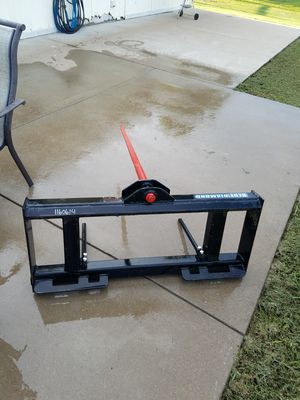 Hay spear for skid steer for Sale in Red Oak, TX