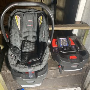 Britax Infant Car Seat for Sale in Redford Charter Township, MI