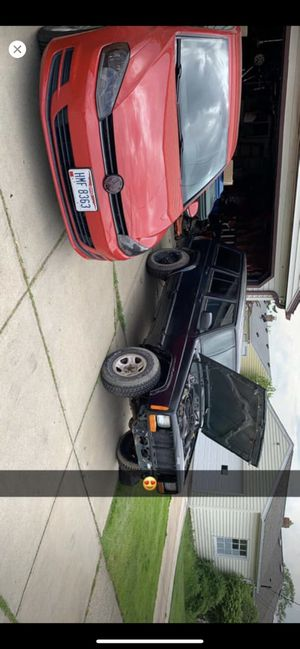 2000 Jeep Cherokee sport xj for Sale in Parma, OH