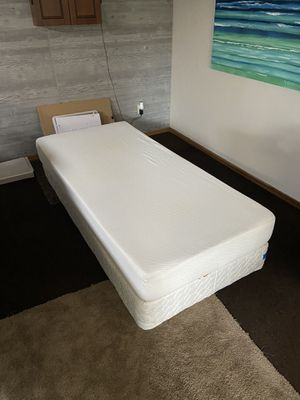 Twin XL Mattress & Box Spring for Sale in Beaverton, OR
