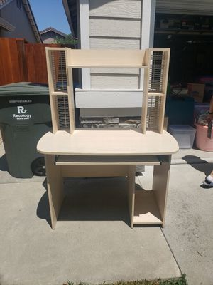 Desk for Sale in Gilroy, CA