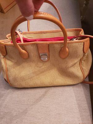 Dooney and Bourke hand bag for Sale in Vero Beach, FL