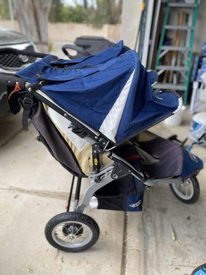 BOB Revolution double jogger/stroller for Sale in Fontana, CA