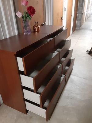 IKEA MALM 8 DRAWERS DRESSER ALL DRAWERS SLIDING SMOOTHLY for Sale in Fairfax, VA
