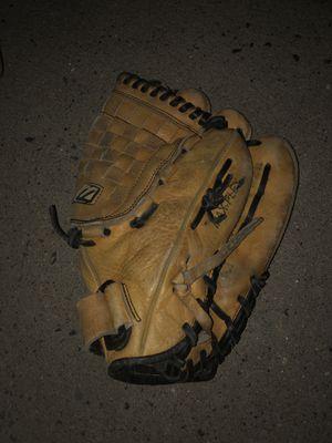 Mizuno Baseball Glove for Sale in Fresno, CA