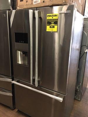 Electrolux Icon Counter Depth Bottom Freezer Fridge for Sale in Laguna Hills, CA