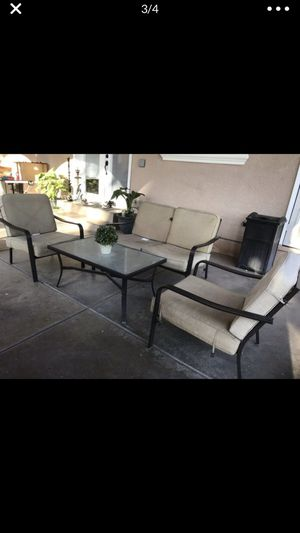 Patio set for Sale in Cutler, CA