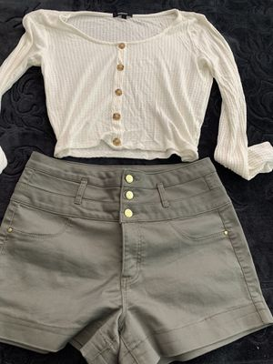 Woman cloths size large and medium for Sale in North Las Vegas, NV