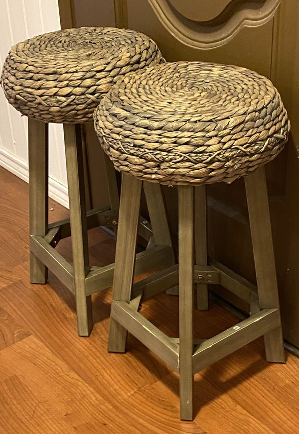 24 in. Wicker Bar stools- set of 2