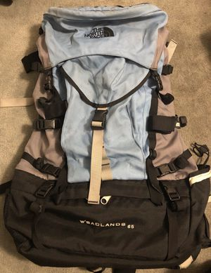 The North Face Women's Badlands 65 Hiking Backpack for Sale in Hacienda Heights, CA