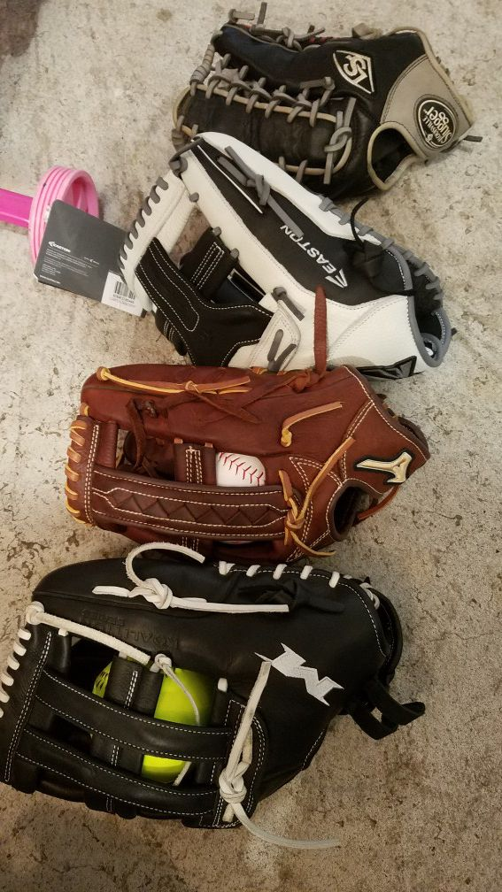 Softball baseball gloves