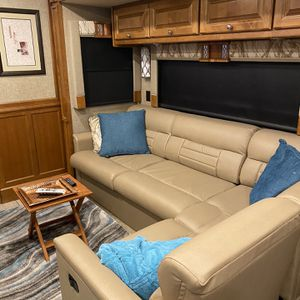 2018 Tiffin Couch With Queen Size Bed for Sale in Upland, CA