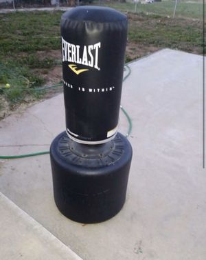 Weight bench and punching bag for Sale in Layton, UT