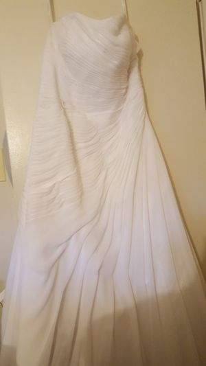 David's Bridal White Wedding Dress size 16. No alterations. Strapless. Looks beautiful with satin belt and broach. All included for Sale in Parkville, MD