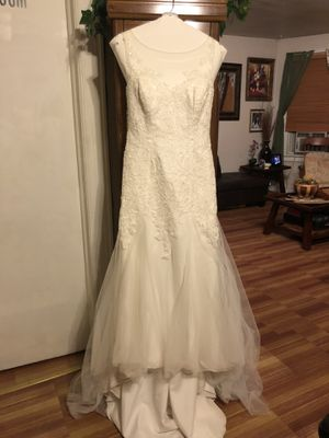 WEDDING DRESS SIZE 12 for Sale in North Haledon, NJ
